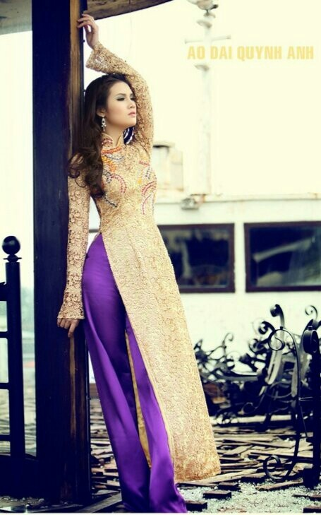 my ideal ao dai, but i prefer the gold to be deeper in color ad have more purple bling on it