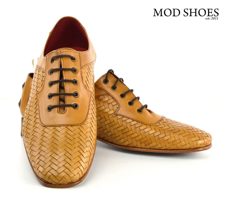 "These are a fabulous looking Tan Weaver from well known quality maker Jeffery West. Made in very small numbers, you are not going to find these on the high street ! These shoes to me look like Small Faces era 65. I can just seen Marriott and Jones in these. They are pure 60s mod … Continue reading ""Jeffery West Tan Weavers – Exclusive to Modshoes"""