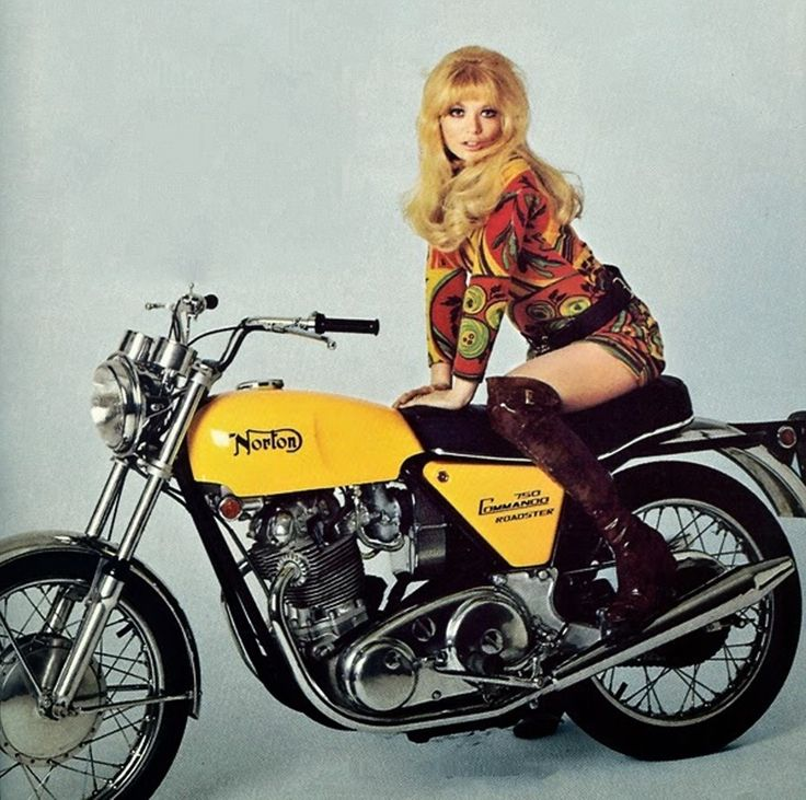 Norton Commando Roadster, 1975.