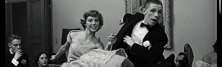 Kunstforum Wien Stanley Kubrick, Betsy von Fürstenberg – Tanzen auf einer Party, 1950.
