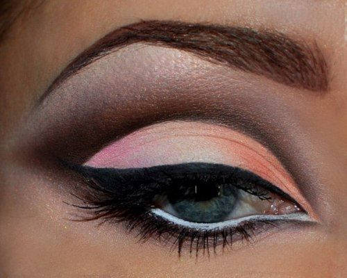 Love the harsh line between the peach on lid and dark brown on crease!#Repin By:Pinterest++ for iPad#