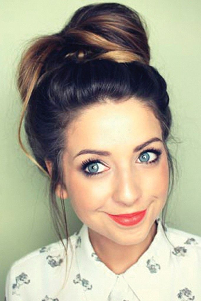 Zoella is the most beautiful person in this whole world! I really love her personality and if you watch her video she is such an inspirational girl! She is so smiley and happy all the time!