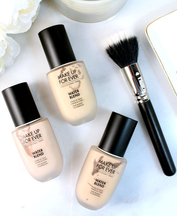 MAKE UP FOR EVER took one of pro makeup artist's favorite foundations, their previous Face & Body Foundation, and reformulated into this brand new Water Blend Foundation. If you are looking for a lightweight, buildable water-based foundation that doesn't budge throughout the day, take a look at this new high-performance makeup.