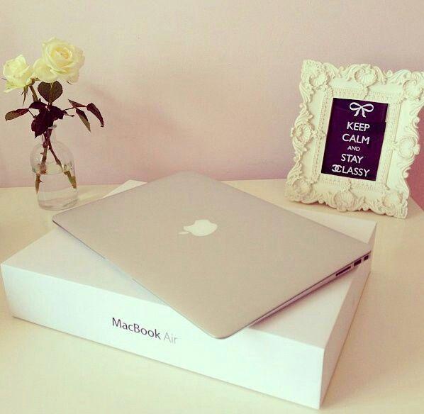 MacBook Air - Apple - 999€ https://store.apple.com/fr/buy-mac/macbook-air?product=MJVM2F/Astep=config