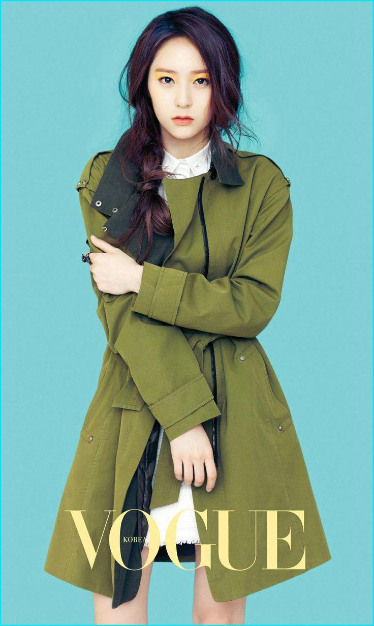 크리스탈 정(Krystal Jung) ( October 24, 1994) Singer, dancer, actress, model