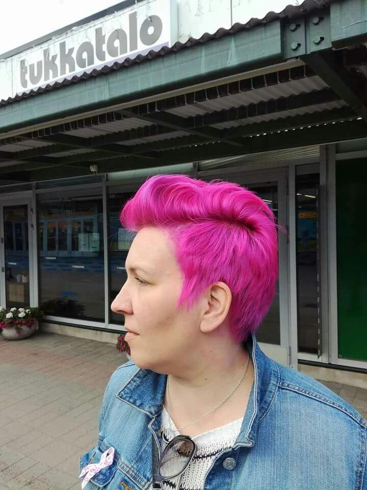 #pinkhair #shorthair #hairdresser #tukkatalo #new #color inspiration #Elumen #turvallisempi hiusväri #Goldwell