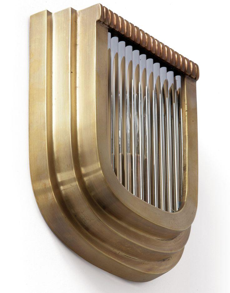 Art Déco Applique PETIO X von Art Nouveau Lamps: Massives Messing und Kristallglas-St�be: Die flache Art D�co-Wandleuchte, hier in der patinierten Ausf�hrung