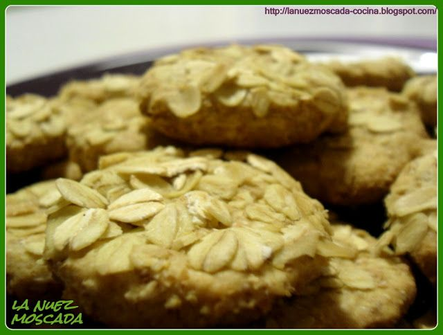 La Nuez Moscada: Biscotti integrali vegan ai fiocchi d'avena - Galletas integrales de avena (veganas)
