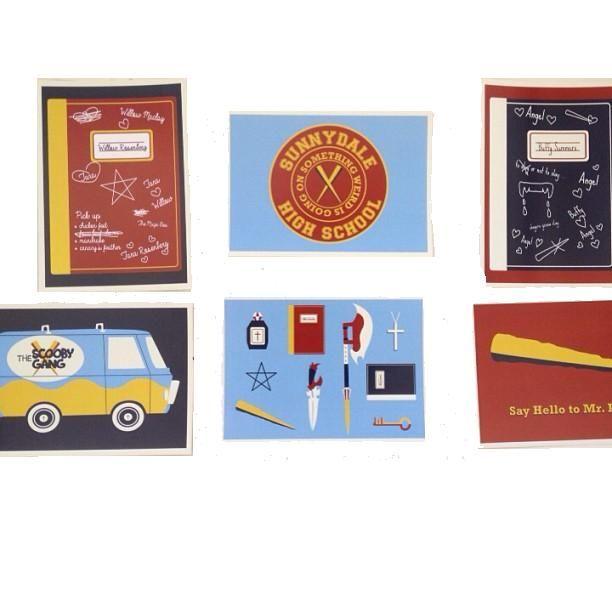 Stampa cartoline su carta da 300g. Per uso promozionale, a colori.