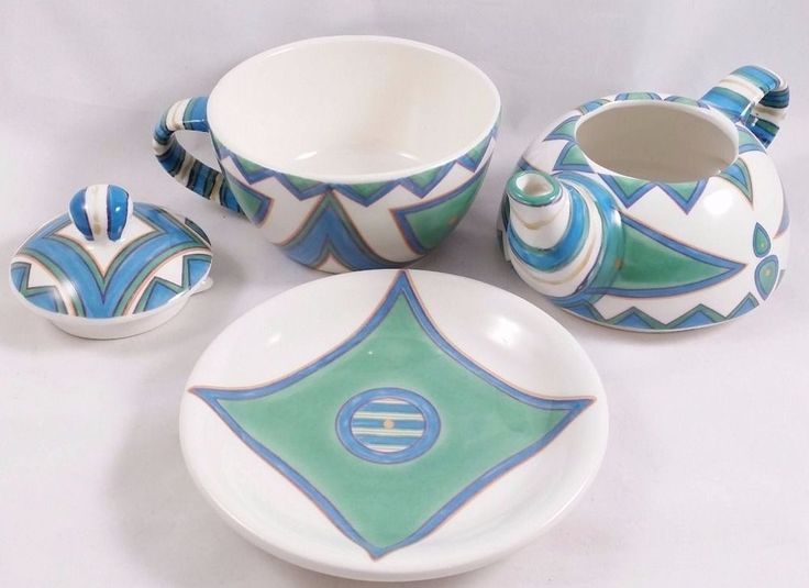 Pre-Owned Nesting Teapot Set with Saucer Unique Southwestern Look 4 Piece