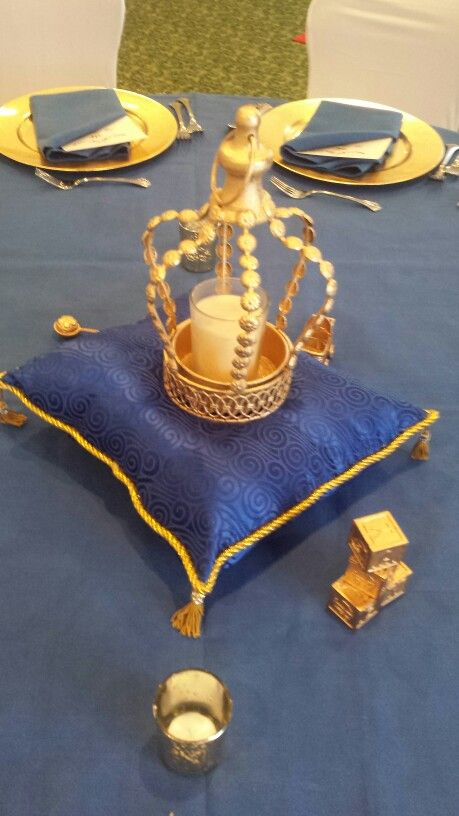 Royal crown and pillow centerpiece ucf grad party posh