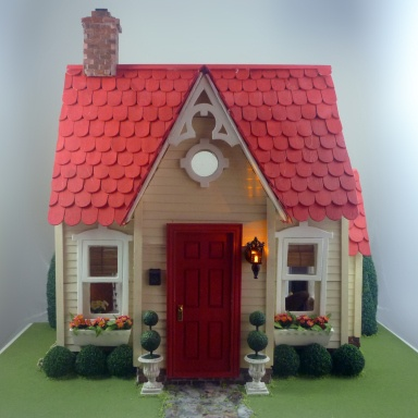 Buttercup Dollhouse - great look for a playhouse.