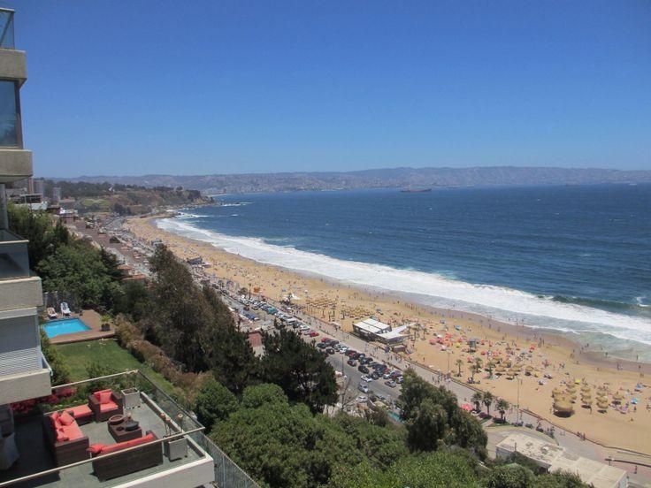 Reñaca en verano, Viña del Mar, Chile