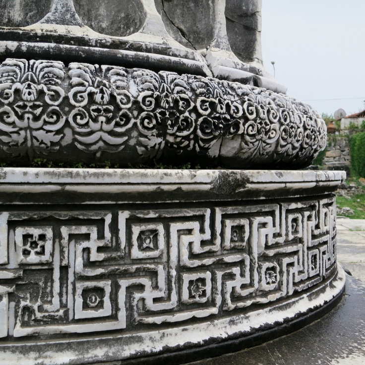 It's all in the details - beautiful carvings at the marble columns of Didyma.