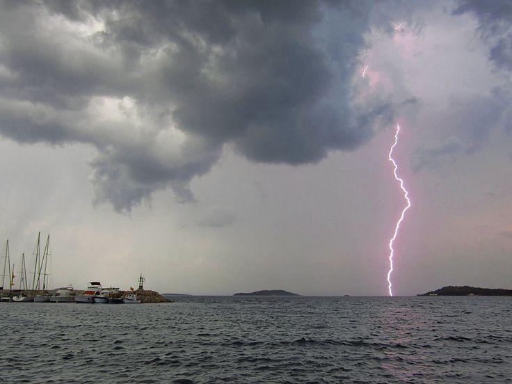 lightning by ayhan turan menekay