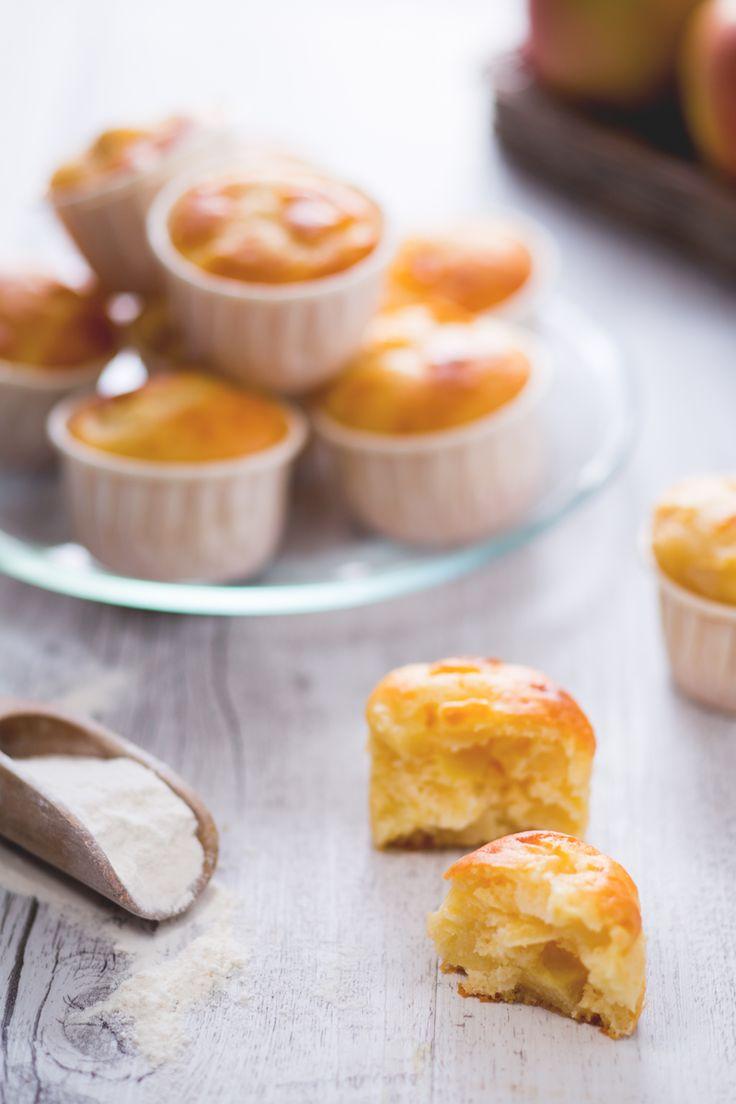 Irresistibili tortini soffici realizzati con uno dei frutti più amati: i muffin alle mele! ( #apple muffins) #Giallozafferano #recipe #ricetta #merenda #colazione #breakfast #snack
