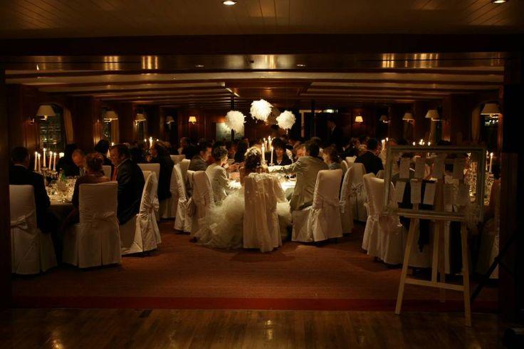 dner luxe mariage pniche yachts de paris boules de plumes wwwmariagedanslair - Peniche Mariage Paris