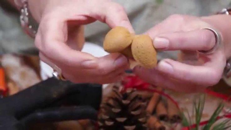 Elisabeth Bønløkke laver julepynt
