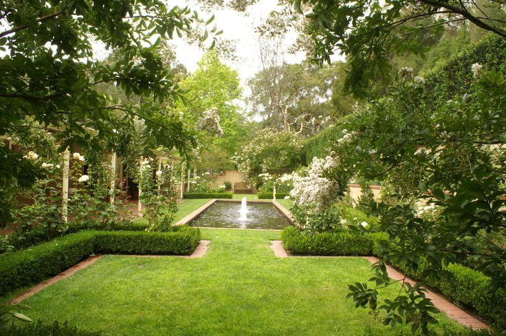 Best 25 formal garden design ideas on pinterest formal for Formal garden design