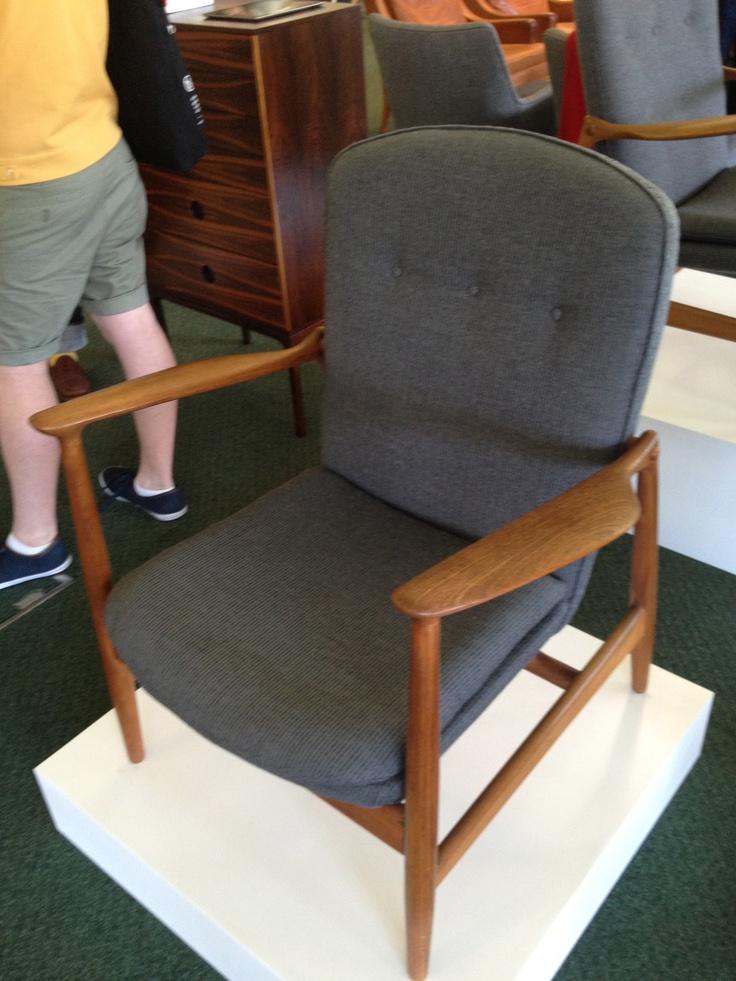 1950s armchair @ Midcentury Moderns show