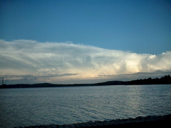 Cloudy sky. This is my friend Eero Karvinen elegant photo. #photo #picture #image #pics #sky #clouds #lake