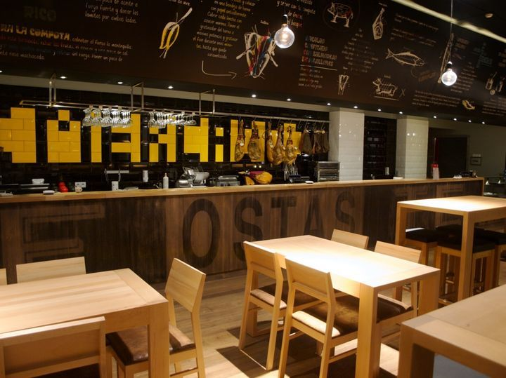 84 best fast food interiors images on pinterest for Italian cafe interior design ideas