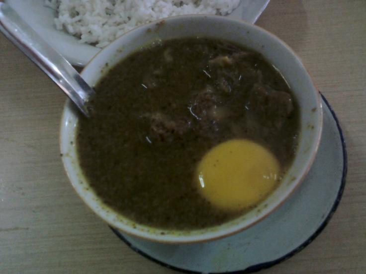 Pallu Basa pake alas. Makassar Culinary