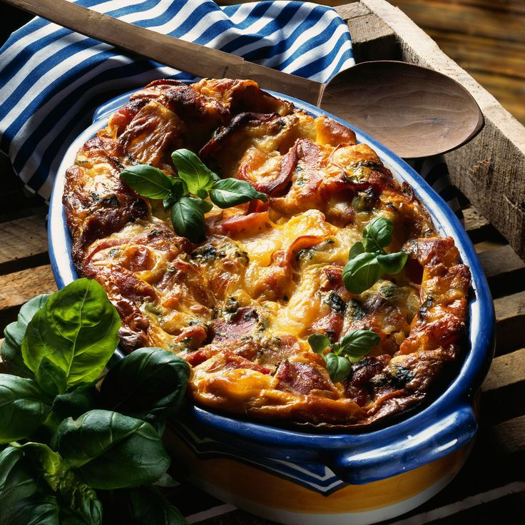 Découvrez la recette du clafoutis au jambon de pays comté et basilic