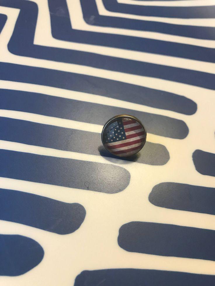 Handmade American flag glass cabochon lapel pin- 16mm by MamaPandasByShannon on Etsy https://www.etsy.com/listing/580815350/handmade-american-flag-glass-cabochon