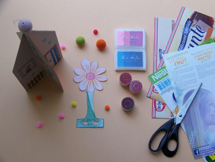 Domeček ke Dni matek. Recykl. Na domečku je přání pro maminku a kresba. Dá se složit. Společně s kytičkou, která má dírky pro prstíky lze mamince zahrát i divadlo. * #eco #recykl #domecek #denmatek #maminka #papir #karton #mothersday #flower #paper #tvorenisdetmi #kids #creative #children #ladylu