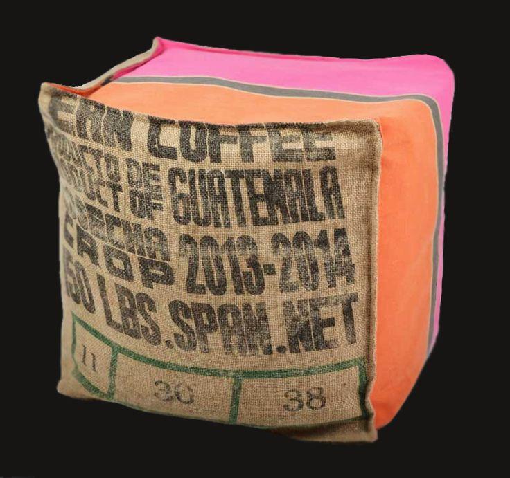 17 meilleures id es propos de toile de jute pouf sur pinterest sacs de caf sacs de caf et. Black Bedroom Furniture Sets. Home Design Ideas