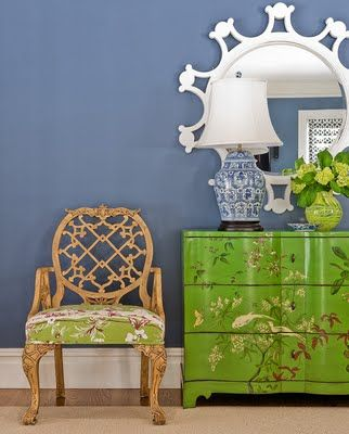 katie rosenfeld. fantastic blue/green combo. love the bold/graphic silhouettes of the chair and mirror. the classic blue & white lamp and chinoiserie chest are a charming nod to the past.