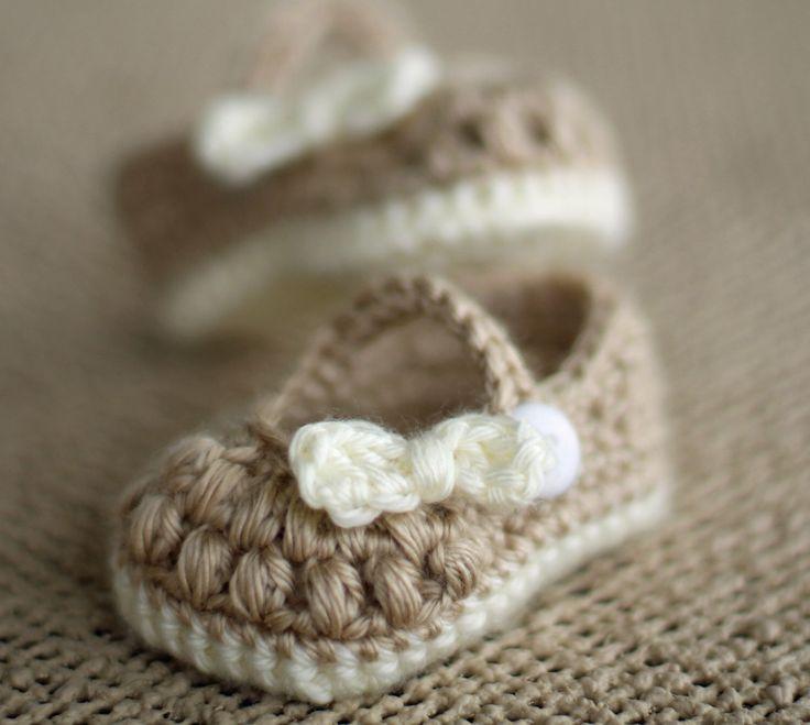 Crochet Baby Booties - Baby Girl Booties -  Little Bo Peep Mary Janes by TheBabyCrow on Etsy https://www.etsy.com/listing/166475282/crochet-baby-booties-baby-girl-booties