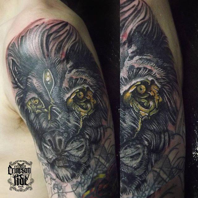 #lion #blacklion #liontattoo #goldeneye #shouldertattoo #blacknwhite #tattoo #freshtattoo #ink #inked #inkstagram #inprogress #tattooinlondon #london #crimsontideink #igorsto There was a huge tribalkoifish #coverup with #starbrite 3hr worked. #татуировка #тату #инкдустрия #татули #лондон #игорьсто
