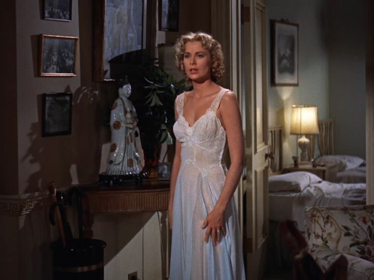 Grace Kelly in Dial M for Murder (1954) I want this sleeping gown so badly