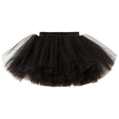 Classic Tutu Black fra det nederlandske merket Dolly by Le Petit Tom inspirerer fantasien og er perfekt for dansing rundt i hagen. – Omfangsrik tyll.