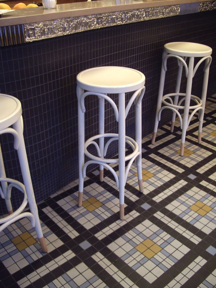 Winckelmans tiles in Cafe Blanc, Paris France