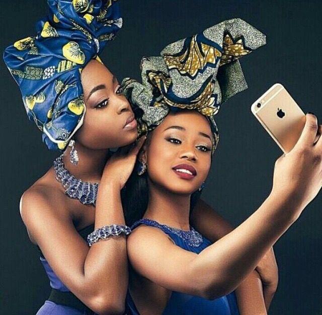 Turbante-se á moda afro.
