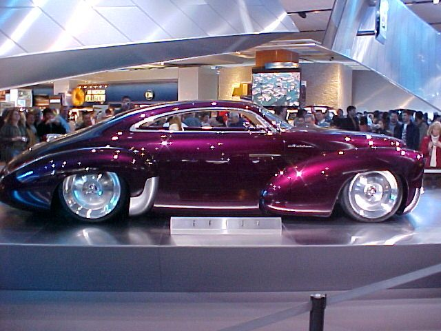 Side view of the Holden Efijy at the 2007 North American International Auto Show.