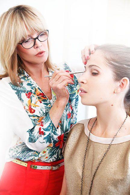 eye-enhancing makeup tips by makeup artist Sandy LinterHair Beautiful, Beautiful Makeup, Makeup Tutorials, Photos Gallery, Mental Health, Nature Makeup, Yahoo Health, Eye Makeup Tips, Makeup Eye