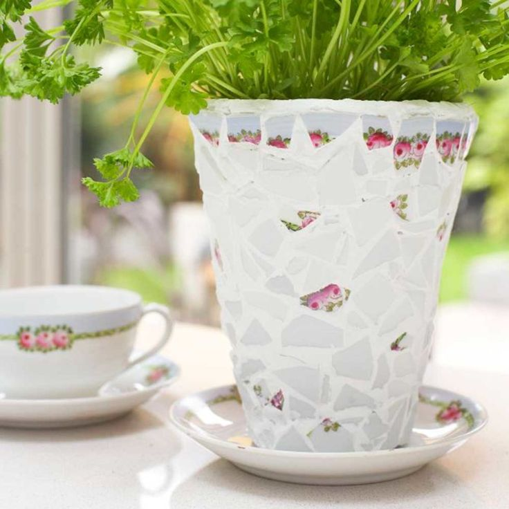 Make It With Mosaics: Pretty Up Plant Pots