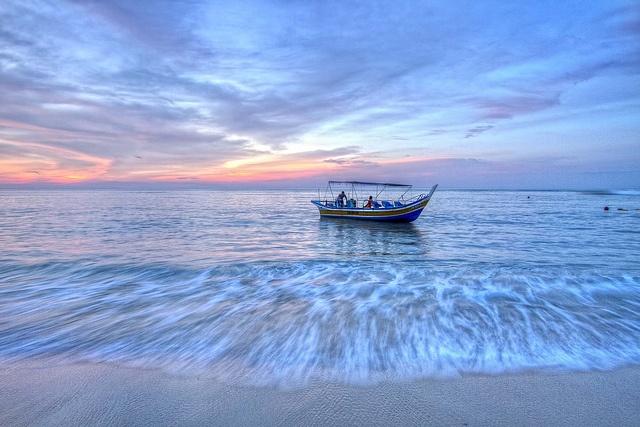 Dusk at Batu Ferringhi beach, Penang Island- Malaysia- [ Simply breathtaking!!/Z]♥