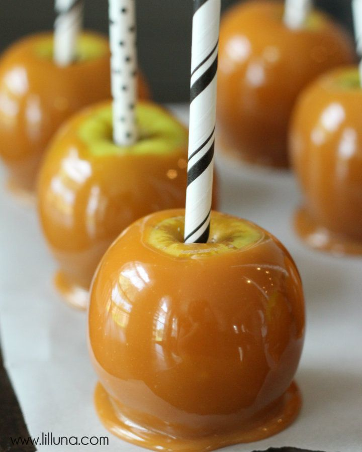 How to make Perfect Caramel Apples { lilluna.com } Great tips to get the yummiest & prettiest caramel apple!