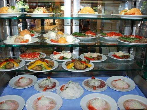 Cool bavarian beergarden food Seehaus im Englischen Garten beergarden restaurant munich Seehaus im Englischen Garten Pinterest Restaurants