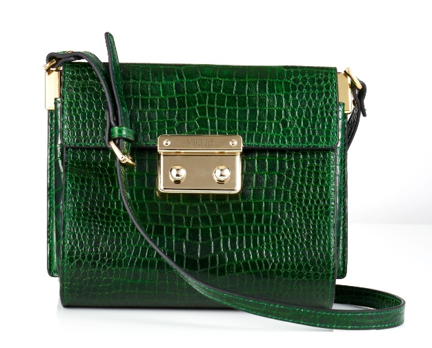 Our forest green handbag has to be one of our favourite emerald items in the Brocade Collection. The lines are simple and chic and the green adds an instant colour pop.