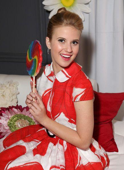Caroline Sunshine ~ Minnie Gifting Lounge At The 2013 Radio Disney Awards