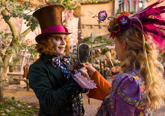 'Alicia a través del espejo', nuevo tráiler de la película de Disney dirigida por James Bobin. Fecha de estreno, reparto, cartel, sinopsis y opi...