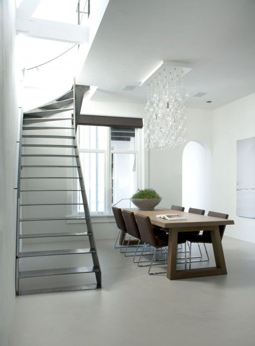 Design dining room in an Amsterdam canal house / monumentaal grachtenpand