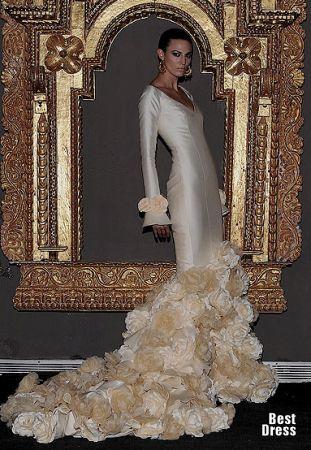 Flamenco wedding dress spanish dancer pinterest for Flamenco style wedding dress