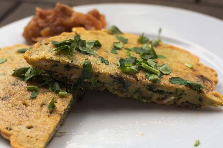 Zum Frühstück mal öfter ein Kichererbsen Omelette Wenn es zum Frühstück mal wieder glutenfrei sein soll, dann empfiehlt es sich auf dieses Kichererbsen Omelette auszuweichen, statt irgendwelche glu…
